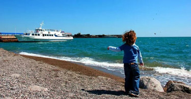 child_sea_crimea